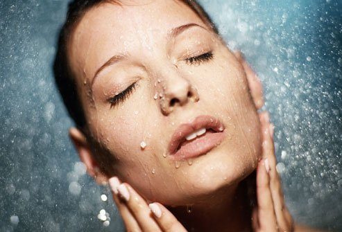 woman-hydrating-skin-image